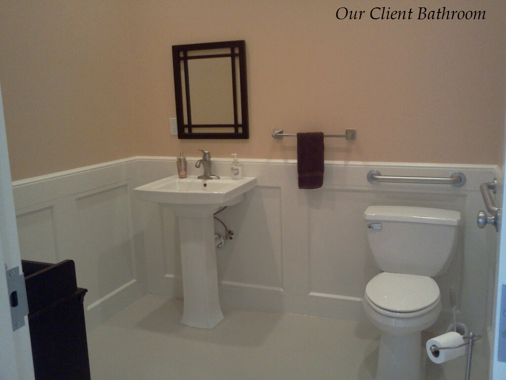 During your visit to SouthPaw Animal Clinic, you are welcome to use our Client Restroom, complete with changing table.